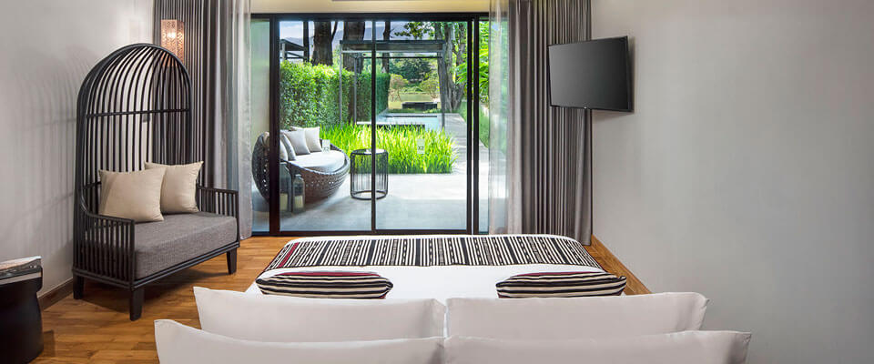 X2-Chiang-Mai-Riverside-Resort_Pool_Suite_River_View